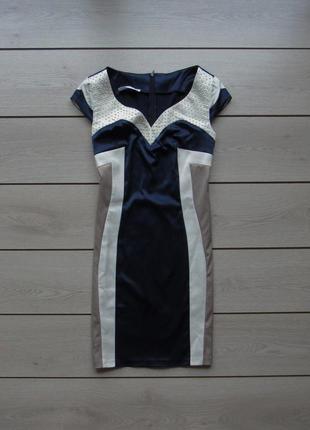 Красивое приталенное платье от montella