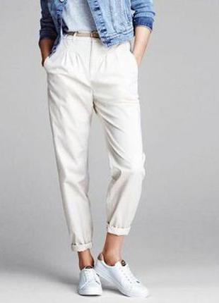 Белые брюки чинос jbc