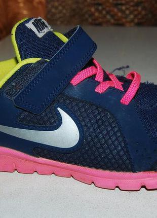 Спорт кроссовки nike 35 размер