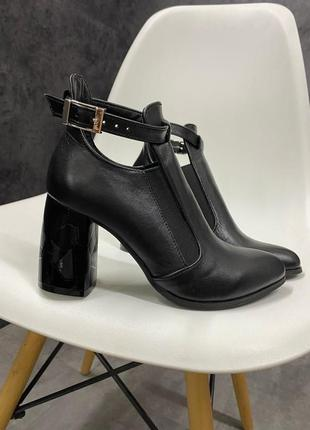 Натуральные кожаные женские туфли на каблуке