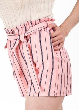 Легкие шорты в полоску