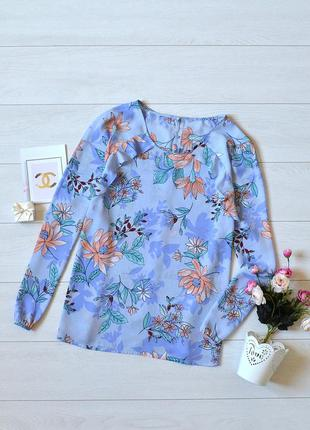 Красива блуза в квіти