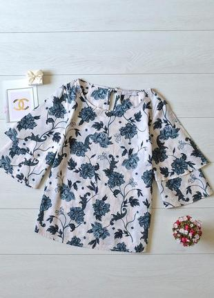 Красива блуза в квіти per una