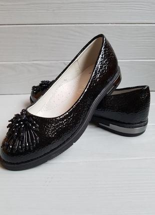 Лаковые туфли балетки с бисером и кожаной стелькой наложка обм...