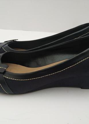 Замшевые туфли на невысокой танкетке*туфли*туфли низкий каблук