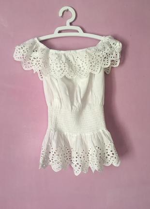 Милая блуза с рюшами очень красивая