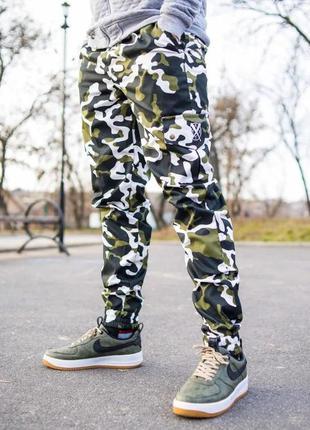 Камуфляжные штаны с карманами вайт камо