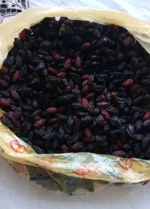 Кизил сушёный с тёмных сортов