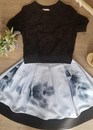 Платье с ажурной накидкой