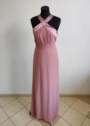 Розовое вечернее платье с лямками на шею и открытой спиной