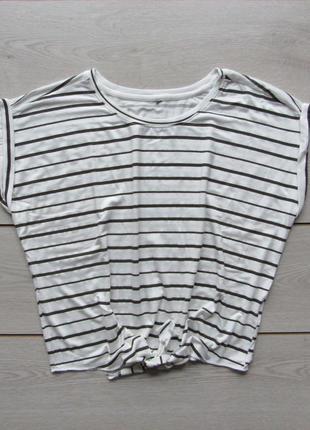 Укороченная футболка в полоску на завязке