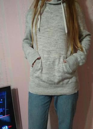 Тоненький свитер капюшонка h&m m ка