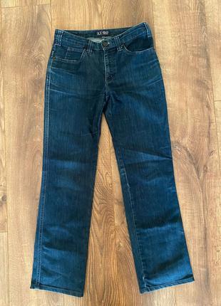 Продам джинсы Armani