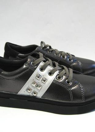 Кроссовки, туфли для девочки р.31-34.