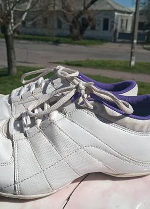 Удобные кожаные кроссовки nike 38-38.5. вьетнам