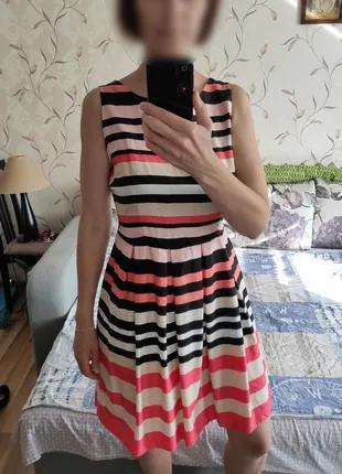 Легкое платье р.S-M Dorothy Perkins