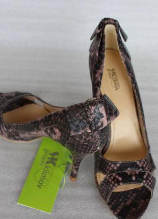 Летние туфли змеиный принт 35-40р