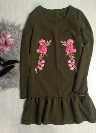Новое платье с патчами weare