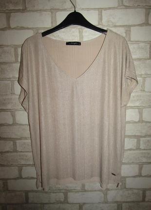 Красивая футболка р-р 14-хл бренд dayz