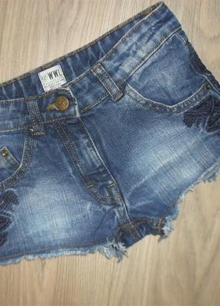 Шорты джинсовые с вышивкой на 6-7лет рост 122