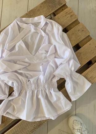 Белая блуза с завязками