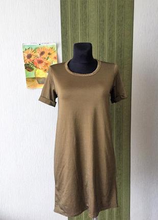 Фирменное платье с  открытой спиной