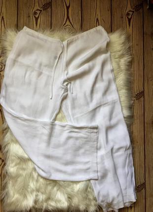 Лёгкие летние белые брюки