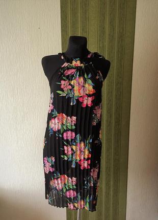 Ёгкое шифоновое платье в цветах ax paris
