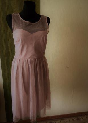 Фирменное нарядное платье