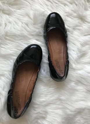Лаковые кожаные комфортные туфли