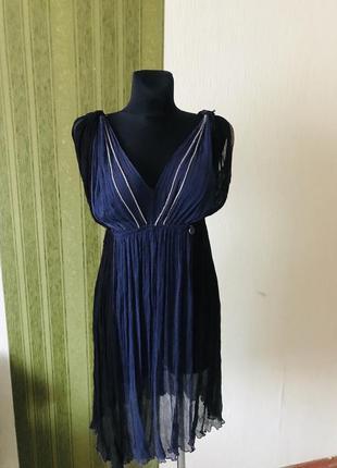 Шёлковое платье в греческом стиле