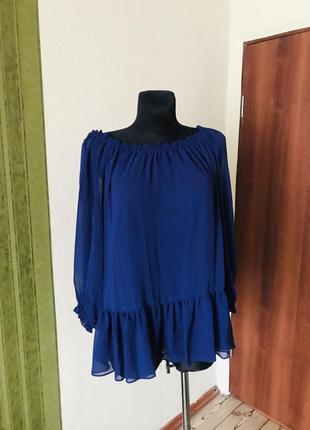 Брендовая блузка с рюшами