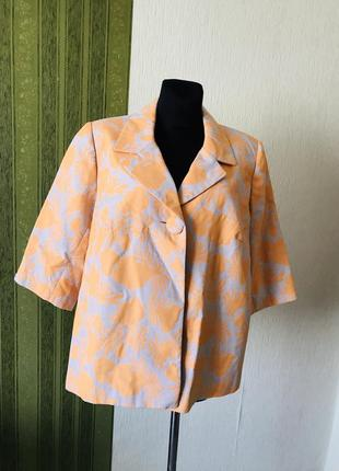 Нарядный пиджак большого размера