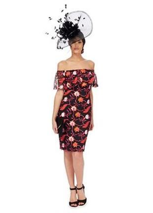 Платье с открытыми спушенными плечами вышивкой сеткой
