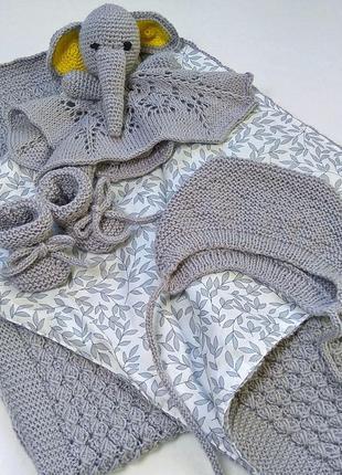 Комплект вязаный ручной работы для новорожденных