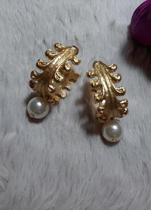 Серьги кольца с жемчугом, цвет золото