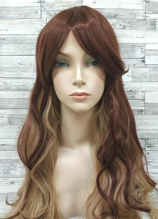 Парик двухцветный коричневый с блондом волнистый 3591