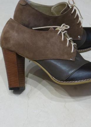 Кожаные демисезонные комбинированные ботиночки 39р.
