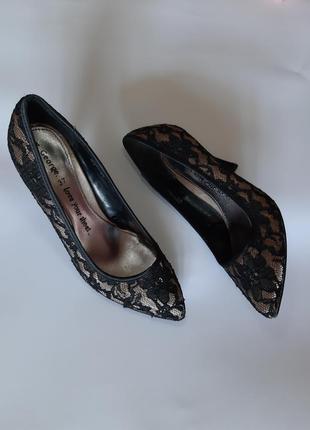 Туфли лодочки с дефектом