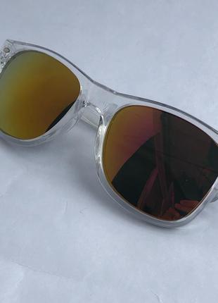 Прозрачные солнцезащитные очки !