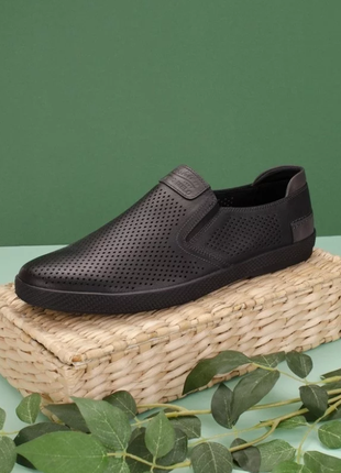 Мужские черные туфли мокасины с перфорацией