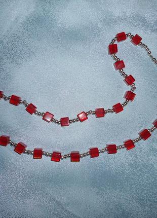 Коралловое ожерелье.