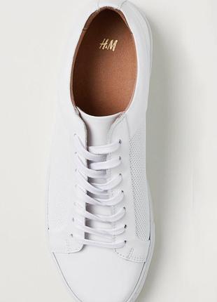 Расспаровка! правый 42 / левый 44 : белый кроссовок h&m premiu...