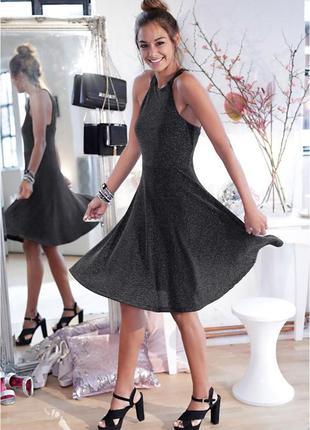 Сияющее вечернее миди платье
