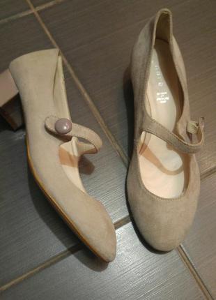Распродажа! кожаные туфли из натуральной замши andre, франция