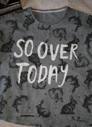 Классная футболочка с зайцами