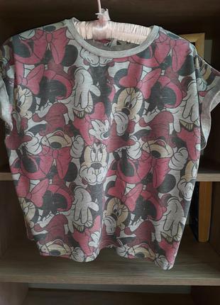 Укороченная футболка с микки маусом