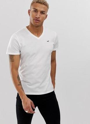 Белая футболка с v-образным вырезом и логотипом hollister must...