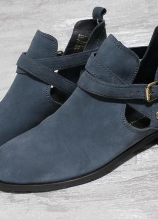 Стильные замшевые ботинки tommy hilfiger размер 40 стелька 26,5