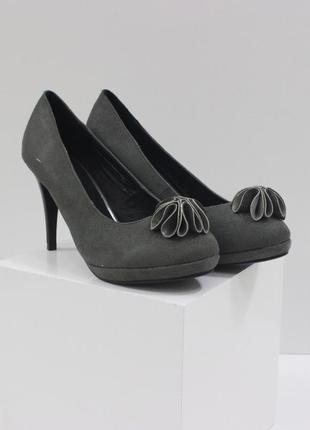 Женские замшевые серые туфли на каблуке с цветком стелька кожа...